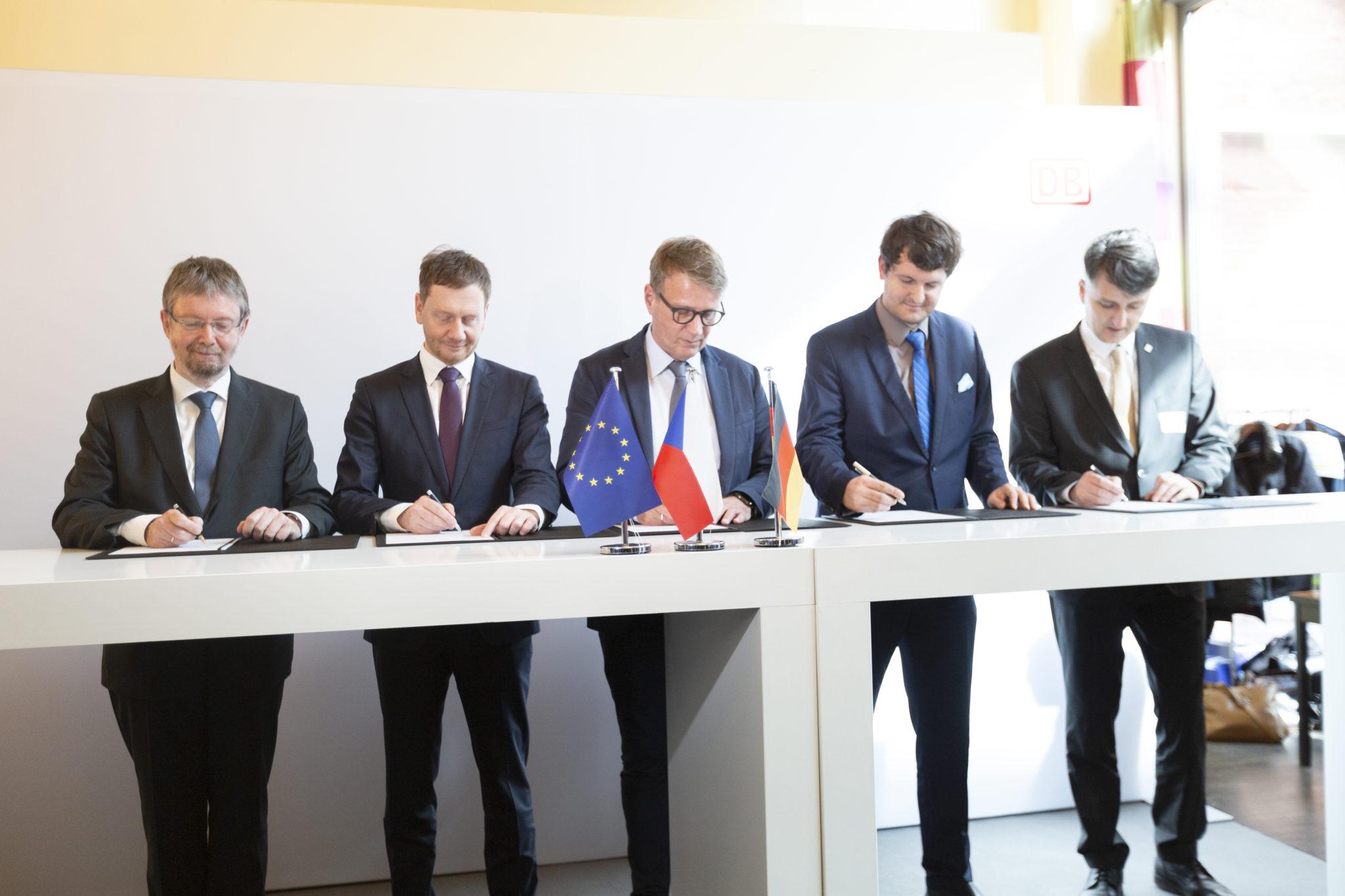 Unterzeichnung der gemeinsamen Erklärung Neubaustrecke Dresden–Prag
