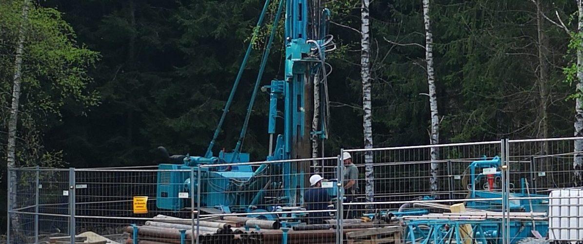 Landwüst-Bohrplatz (PRUYKG-Gesteins-Bohr-und-Umwelttechnik)
